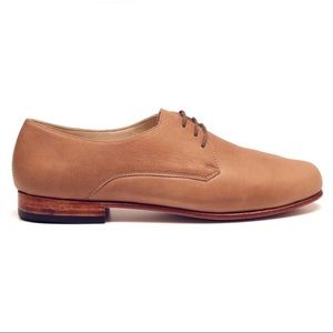 Nisolo Oliver Oxford in Almond Size 6
